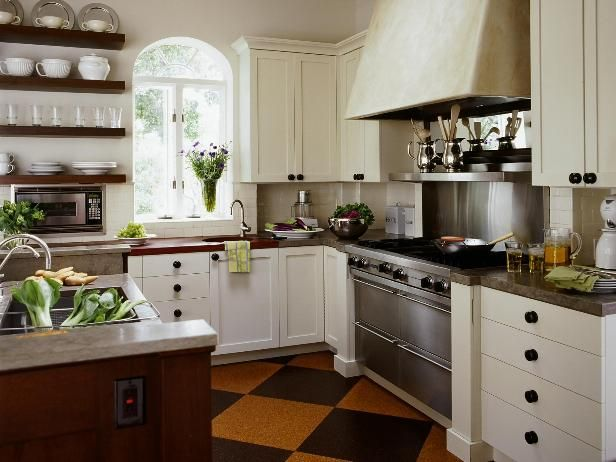 lovely english cottage kitchen