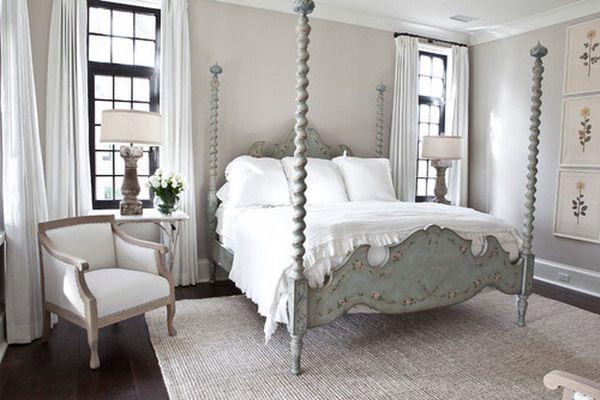 serene-white-bedroom