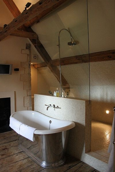 Walk in shower designs and things to consider when adding for Walk in tub bathroom designs