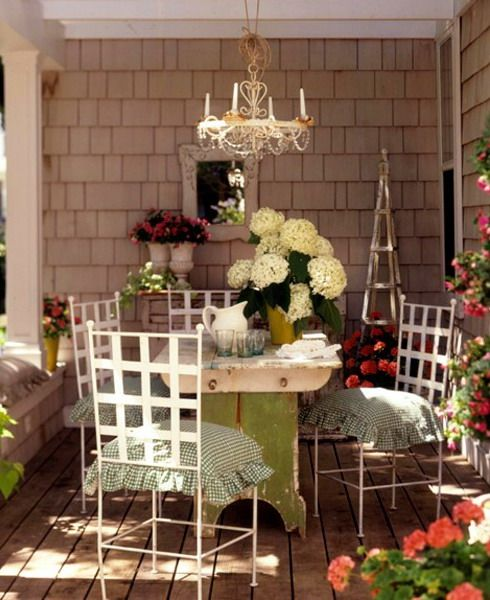 18 Spring Decor Ideas: Spring Decorating Ideas